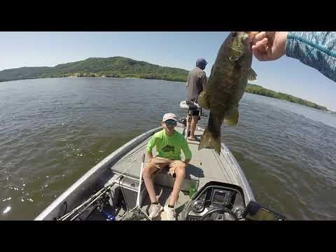 Upper Mississippi River Smallmouth Bass Fishing
