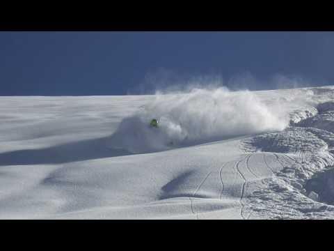 Warren Smith skiing powder - Saas-Fee - Spring 2011.mp4