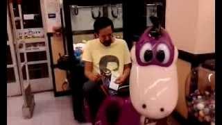 Crying Kid at Toys R' Us
