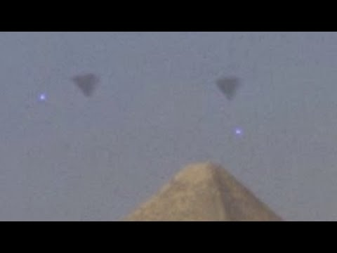 EGYPT 2016 ~UFO FLEET over GIZA PYRAMIDS !!!~Latest Alien Sightings~Best UFO Sighting Ever