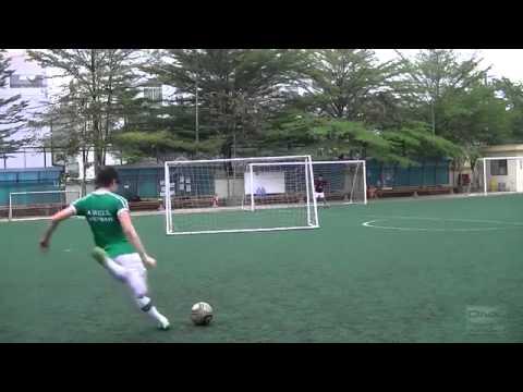 Học cách sút bóng như Ronaldo