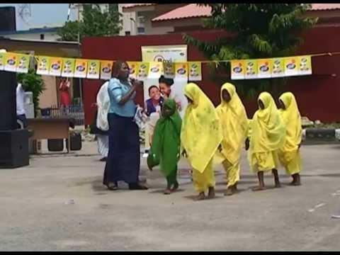 ZULU DANCERS ON CHILDRENS DAY 2013 - FESTOUR
