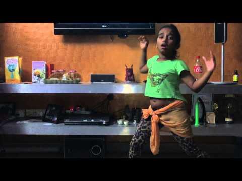 9 Year Old Girl Dancing for Bezubaan Song! - Riddhi Bhandari
