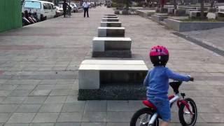 Детский велосипед BMW kidsbike (80932413749)(Самый легкий способ научить ребенка езде на велосипеде! Быстрая и интересная адаптация и обучение равновес..., 2016-05-24T20:52:24.000Z)