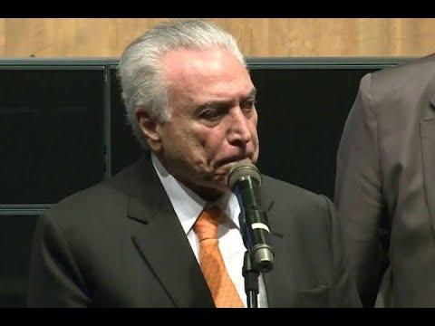 Durante evento, Temer diz que Brasil vive momento político difícil | SBT Brasil (09/04/18)