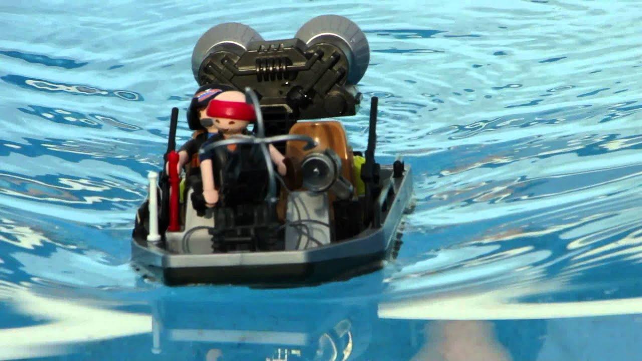 playmobil bateau chasseurs de tr sor avec moteur dans l. Black Bedroom Furniture Sets. Home Design Ideas
