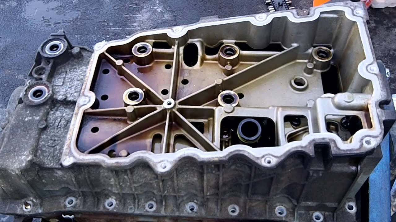 2002 ford explorer timing chain update 01 08 2013 upper oil pan removal 2 youtube [ 1920 x 1080 Pixel ]