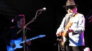 Merle Haggard & The Strangers -- Mama Tried