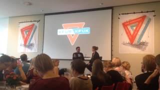 Sceneinterview af Simon Kvamm på KFUM og KFUKs landsmøde 2014