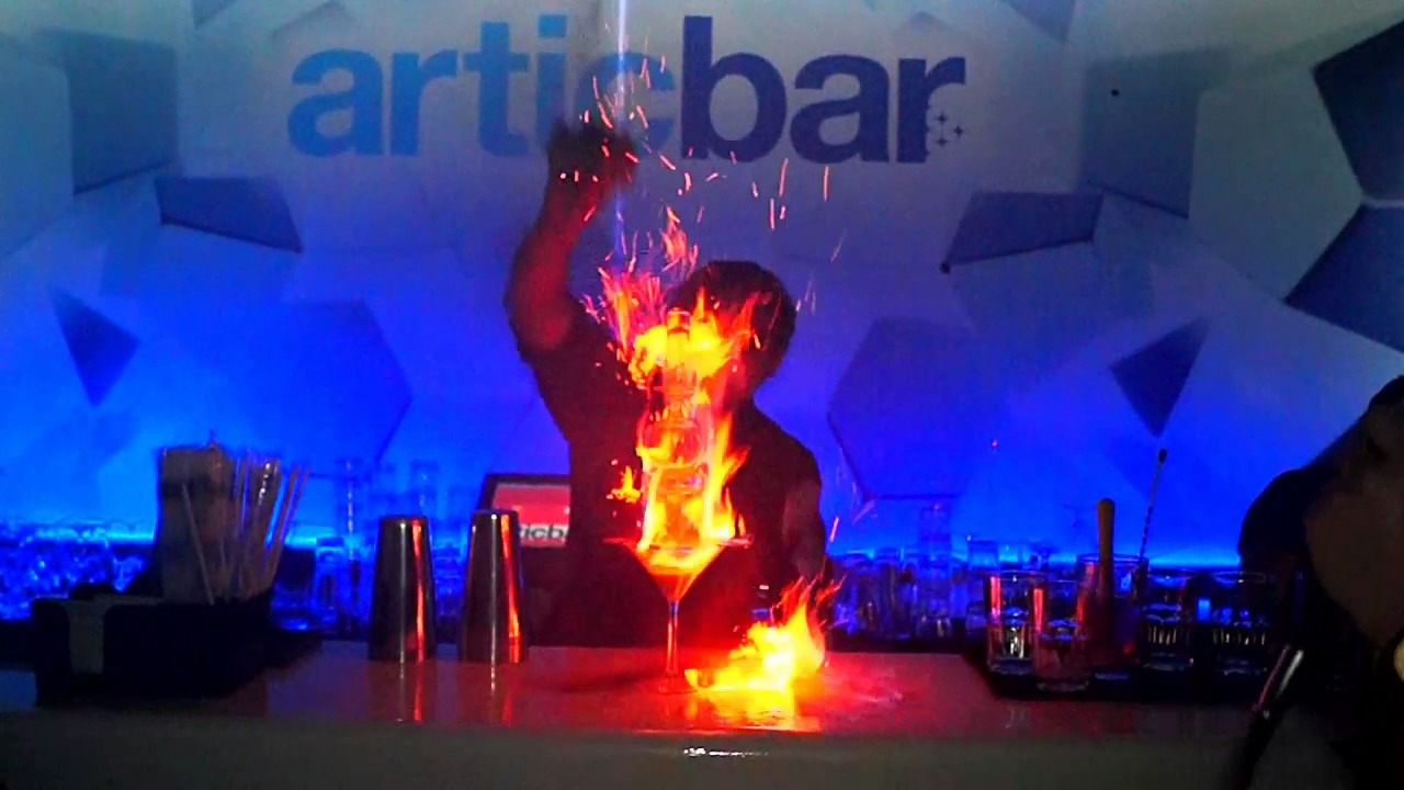Artic bar la fiesta a 15 c youtube for Artic arredo bar