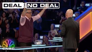 Howie Mandel Loves A Good Surprise, And This Week's Episode Delivers | Deal Or No Deal | CNBC Prime