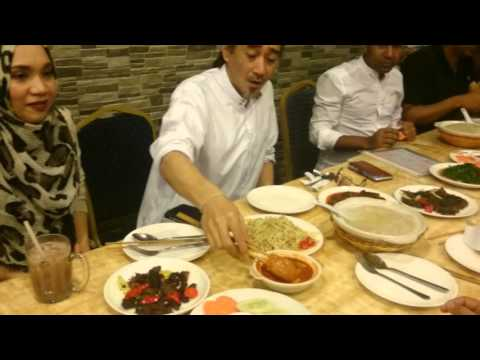 SRDC UK tries Ambuyat for the first time in Brunei