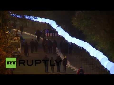 Berlín levanta un nuevo 'muro' con miles de globos de helio