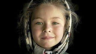 Маленькая девочка спасла мать от нищеты! Не нравится мне здесь…не хочу здесь жить
