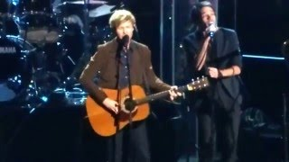 30th Annual Rock N Roll Hall of Fame Inductions - 2015 - Beck - Satellite Of Love - Lou Reed