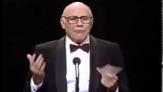 John Randolph wins 1987 Tony Award for Best Featured Actor in a Play