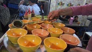 Bhopal Famous Paya Soup @ 40 rs ( 0.60 $ ) - Kamar Bhai Soup Wale - Street Food Bhopal