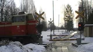 Finnish freight train T 3352 passed Eerola level crossing