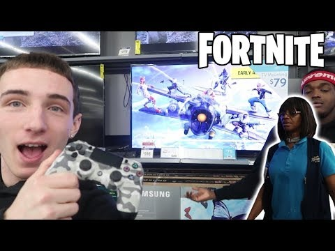 PLAYING FORTNITE IN WALMART! *KICKED OUT*