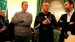 La conferenza di Gigi D'Alessio, le domande dei giornalisti