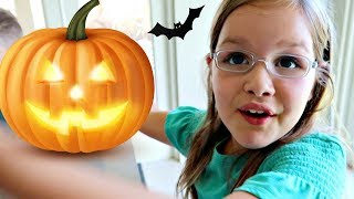 🎃HALLOWEEN - What should we be?!