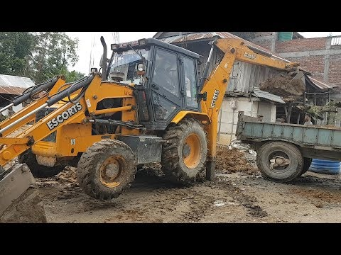 JCB Dozer Collecting Mud and Loading in Tractor - JCB Dozer Working Video
