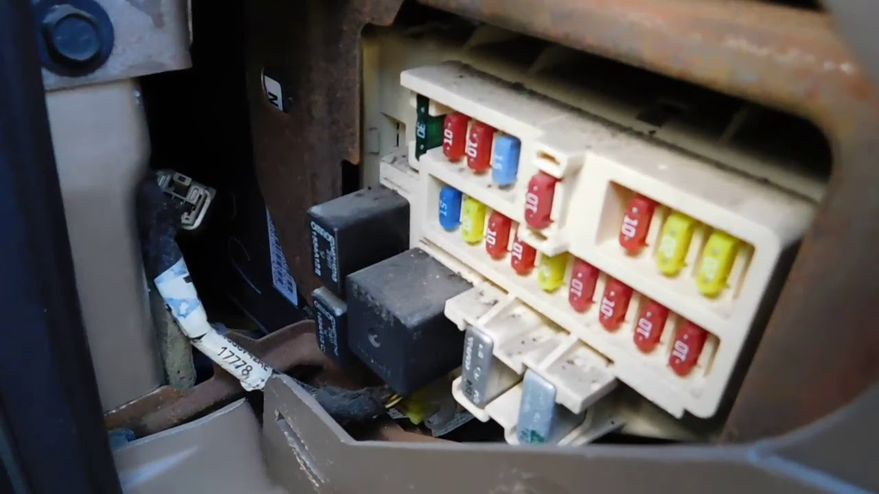 chrysler sebring 2001 2006 fuse box location and diagram youtubechrysler sebring 2001 2006 fuse box location [ 1280 x 720 Pixel ]