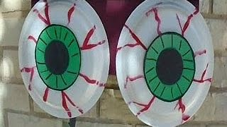 Outdoor Scary Eyeballs Halloween Decor - Easy Diy Project - Paper Plate Craft