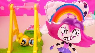 Powerpuff Girls Food Fight ! Toys and Dolls Fun Bubbles Plays at the Park, Blossom Fights