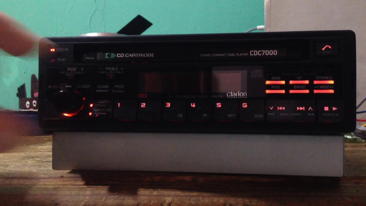Clarion Car Stereo: Clarion Car Stereo Old School