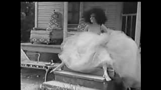 Watch Diana Ross Keep It Right There video
