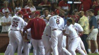 MLB: Ludwick crushes a two-run walk-off homer