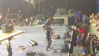 Baixar Arctic Monkeys - Brianstorm LIVE (O2 Arena, London 9/9/18)