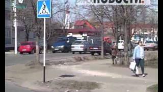 И переходы станут зебрами(В Новозыбкове стартовали работы по нанесению дорожной разметки., 2013-04-23T12:14:39.000Z)