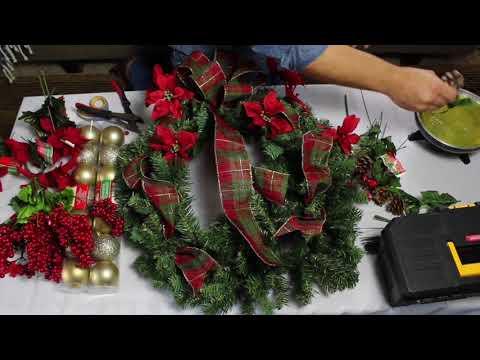 EASY DIY Dollar Tree Christmas Wreath / Wreath Tutorial 2018 / Traditional Christmas Wreath
