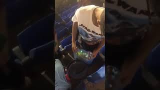 بالفيديو.. الجماهير ينظفون المدرجات عقب مباراة العدالة وأبها - صحيفة صدى الالكترونية