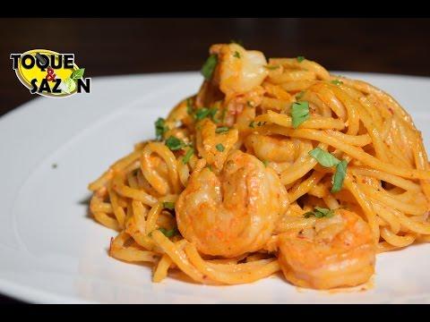 Espagueti con camarones en crema de chipotle (Toque y Sazón)