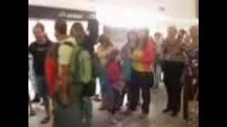 Очередь в Аэропорту острова Крит(Очередь в Критском аэропорту (Греция), 2013-10-11T05:54:17.000Z)