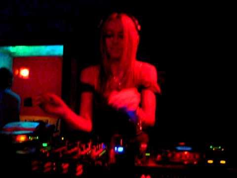 DJ MELISSA!!!!