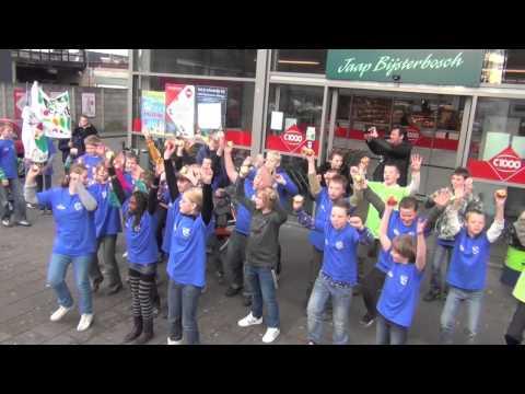 De Triade fruitsalade flashmob