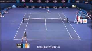 Australian Open: Federer ball kid catch (again) - 2014 Australian Open