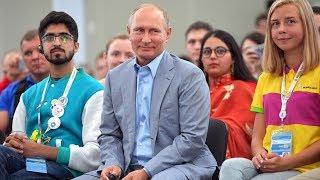 Владимир Путин рассказал, кому доверил бы мир