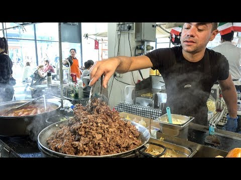 HUGE Hot Dog with Loads of Meat and Sauce Seen and Tasted in London. Street Food of Brick Lane