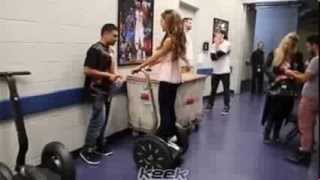 Ariana Grande's Keek Video: