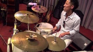 Funkallero 越山満美子Trio Piano:越山満美子 Bass:坂崎拓也 Drums:福森康 ビデオ撮影マルチカム撮影:スタジオ201
