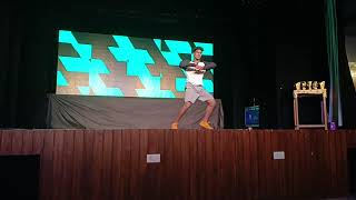 OLD SCHOOL HIP HOP | RAGHAV LOOKALIKE DANCER |SATENDER PASWAN FEAT. BOHEMIA CAR NACHDI