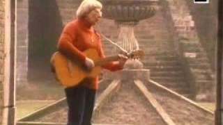 """The singing nun Soeur sourire """"Dominique"""""""