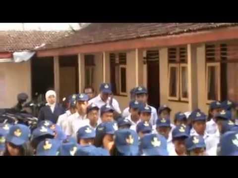 Mawar Pelangi di Hari Senin TRAILER | Wattpad Indonesia from YouTube · Duration:  1 minutes 41 seconds