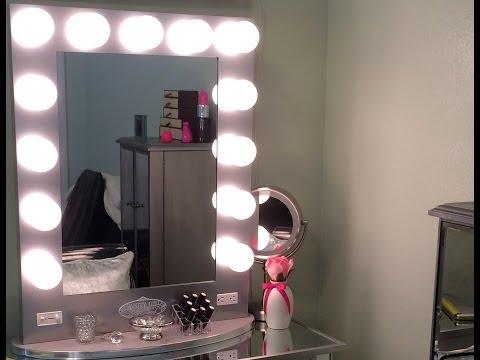 Vanity Girl Hollywood Mirror & Mirrored Vanity Table