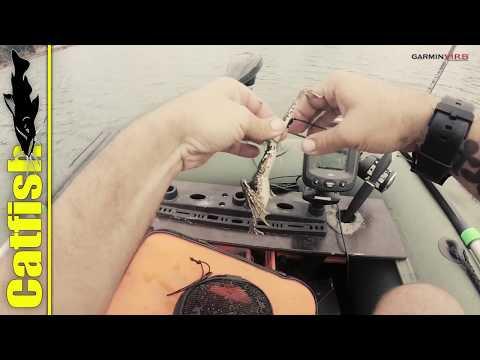 Как насадить лягушонка на крючок (чтоб неудрал) для ловли сома на квок?